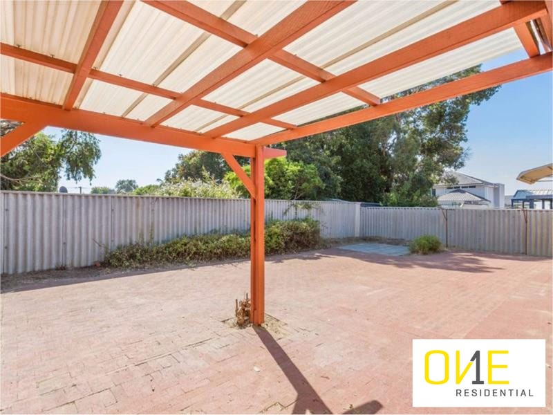 8/5 Kitchener Road, Melville