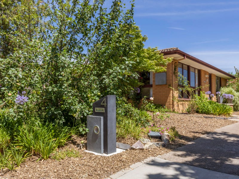 4 Wittenoom Crescent, Stirling, ACT 2611