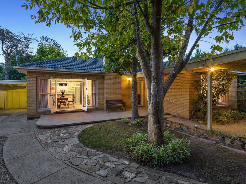 21 Romoly Drive, Forest Hill, Vic 3131