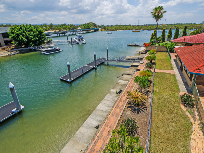 49 Hume Parade, Paradise Point, Qld 4216