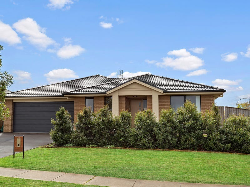 13 Redgum Circuit, Aberglasslyn, NSW 2320