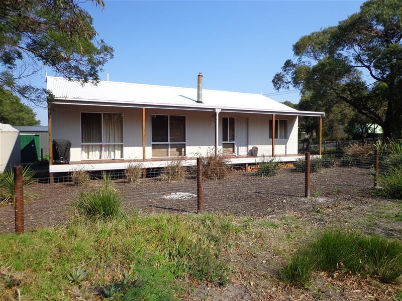30 Kangaroo Street, Loch Sport, Vic 3851