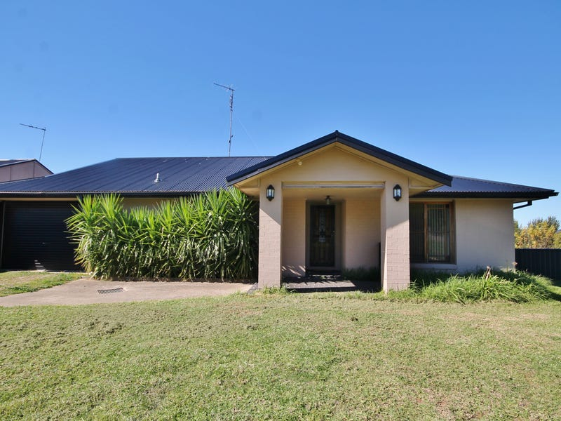 34 Hills Street, Young, NSW 2594