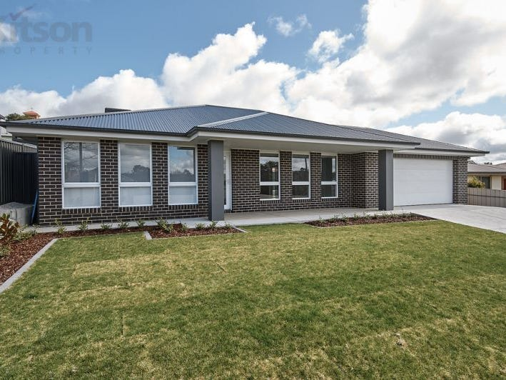 15 Anzac Avenue, Junee, NSW 2663