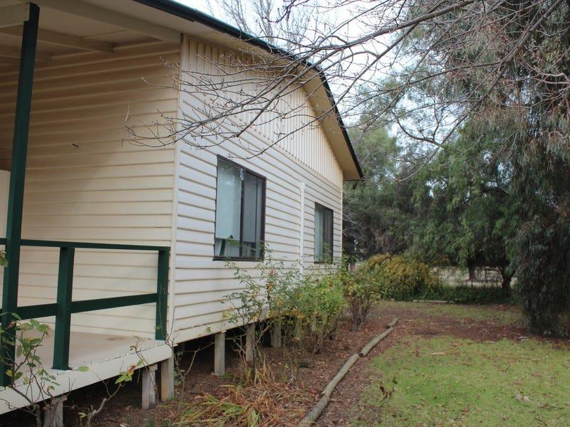 House 1 Barham Road, Wakool, NSW 2710