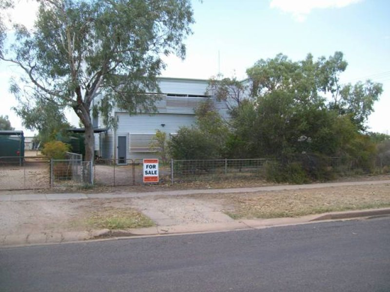 78 Cork Street, Winton, Qld 4735