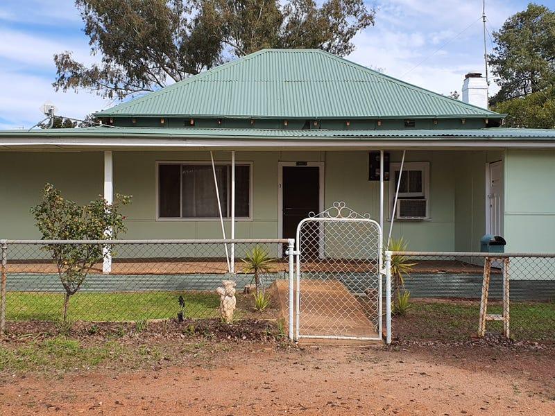 1 BARELLAN STREET, Ardlethan, NSW 2665