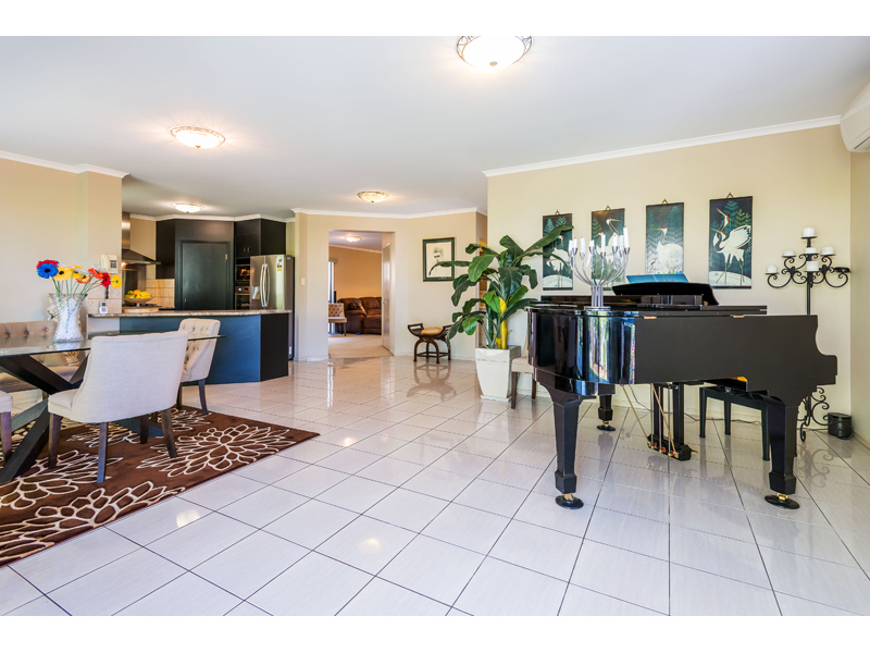 36 Ridgeview Street, Carindale, Qld 4152