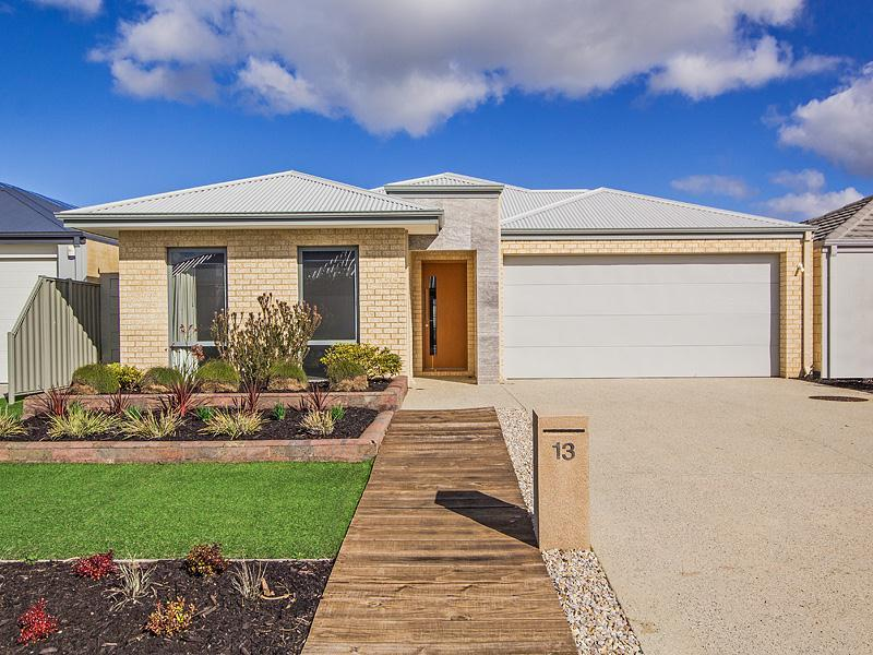 13 McLachlan Turn, Byford