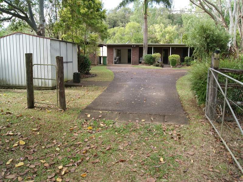 47 Thomas Rd, Devereux Creek, Qld 4753