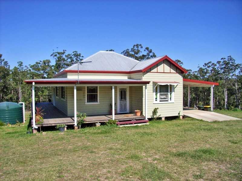319 Armidale Road, Yarravel, NSW 2440