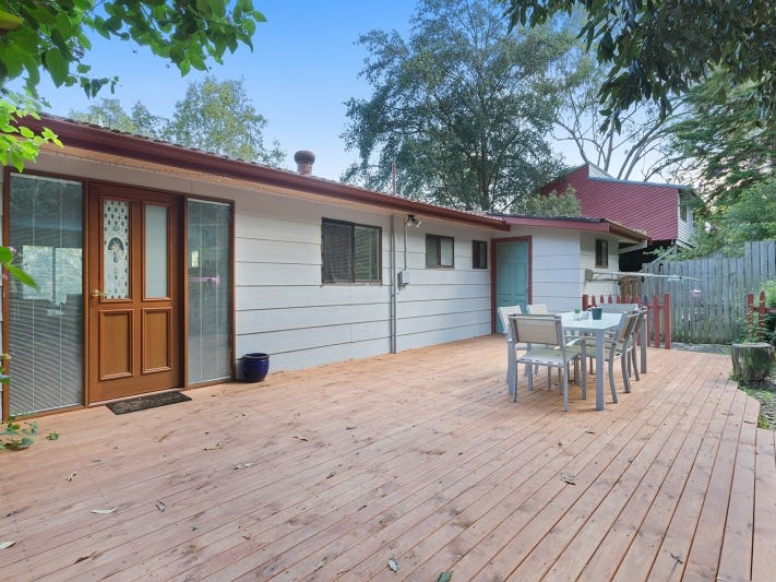 1 Marangani Avenue, North Gosford, NSW 2250