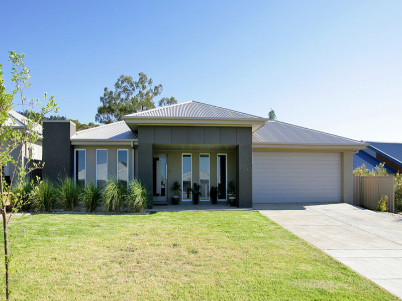 69 Strickland Drive, Boorooma, NSW 2650