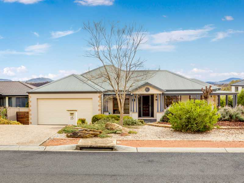 15 Robinia Place, Jerrabomberra, NSW 2619
