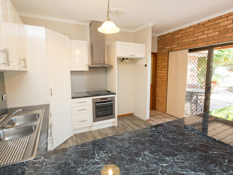 214 Koorlong Avenue, Nichols Point, Vic 3501