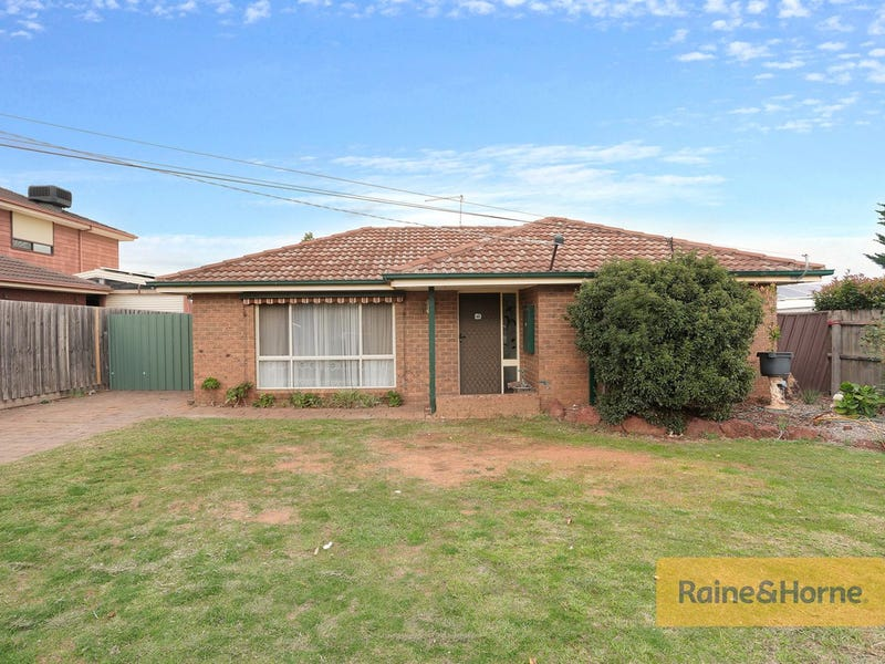 21 Oldershaw Road, Melton, Vic 3337