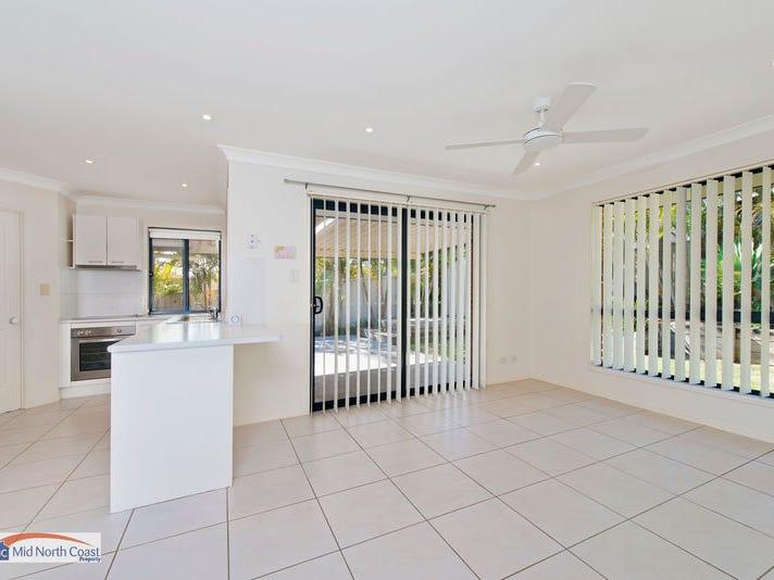 40 Fiona Crescent, Lake Cathie, NSW 2445