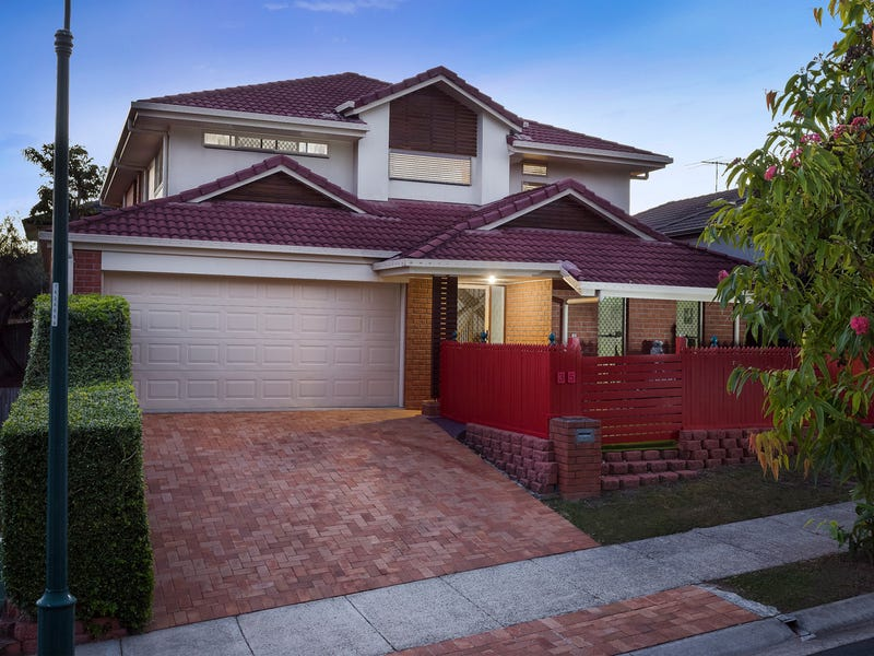 35 Swallowtail Crescent, Springfield Lakes