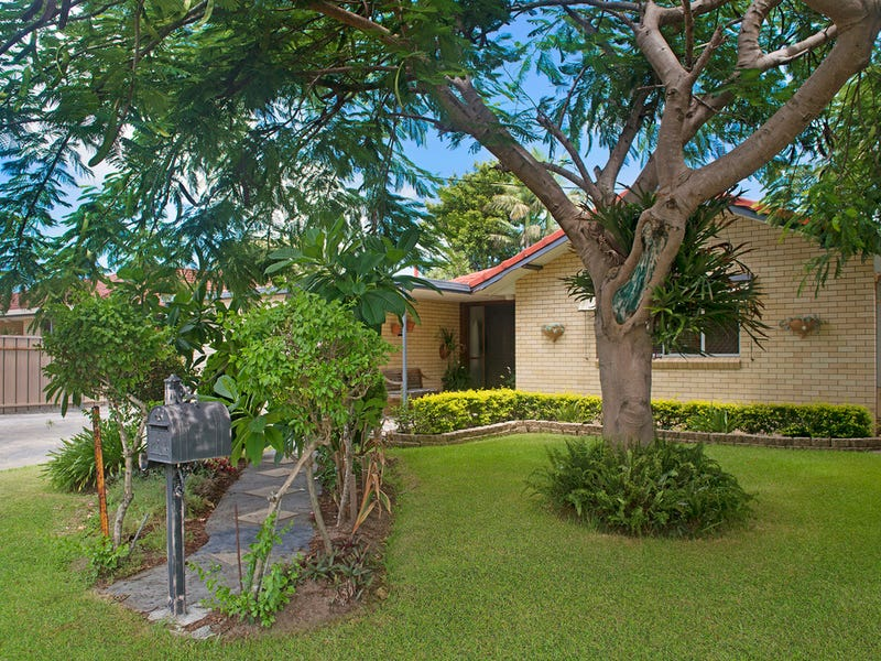 245 Mallawa Drive, Palm Beach, Qld 4221