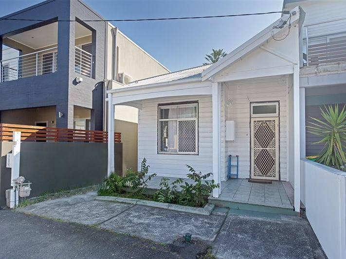 90 Bar Beach Avenue, The Junction, NSW 2291