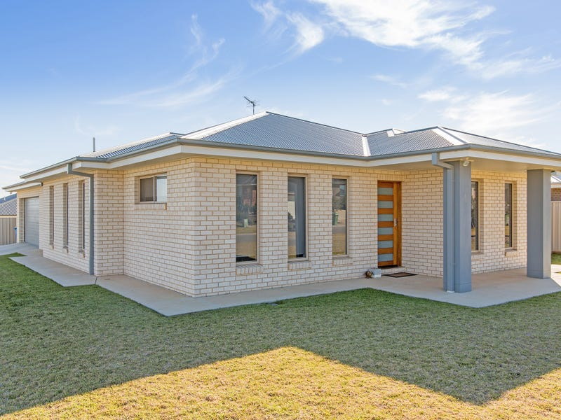 1 Mulberrygong Court, Gobbagombalin, NSW 2650