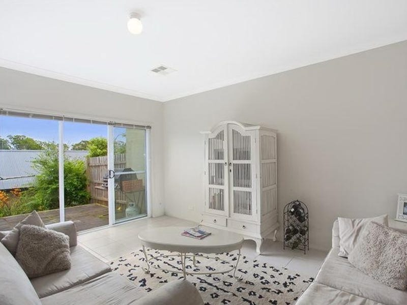6 Gilbert Street, Elderslie, NSW 2570
