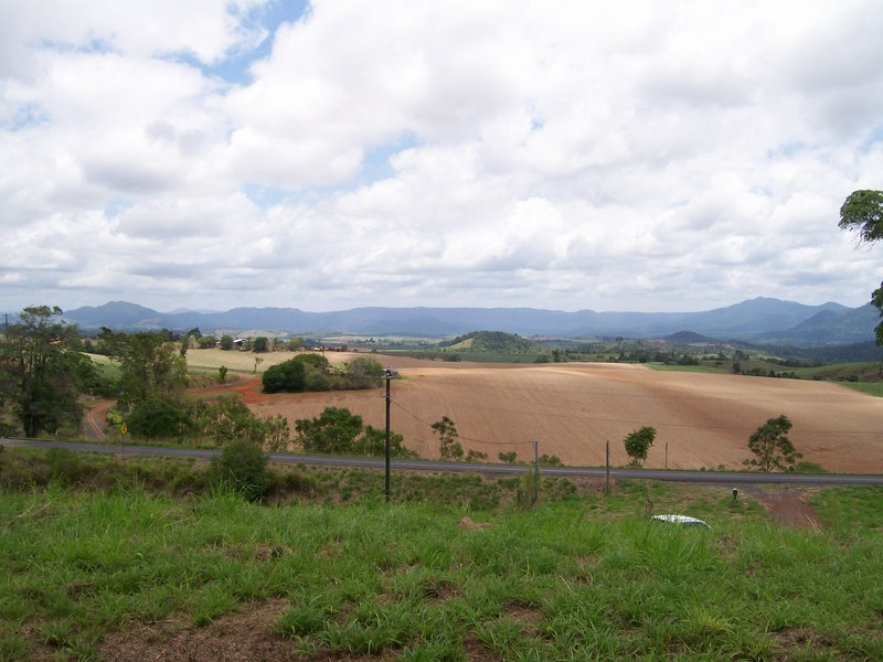 761 Palmerston Highway(cnr Henderson Dr), Pin Gin Hill, Qld 4860