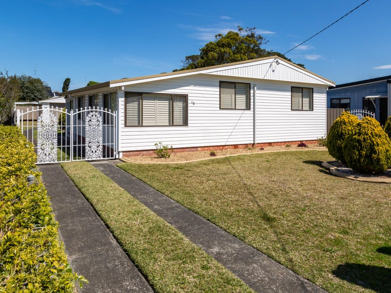 18 South St, Greenwell Point, NSW 2540