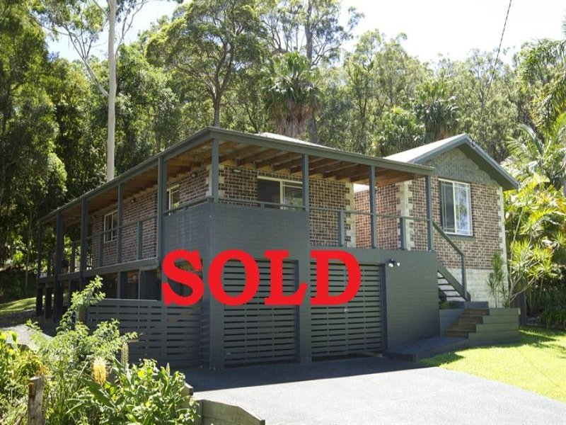 13 Windsor  St, Tarbuck Bay, NSW 2428