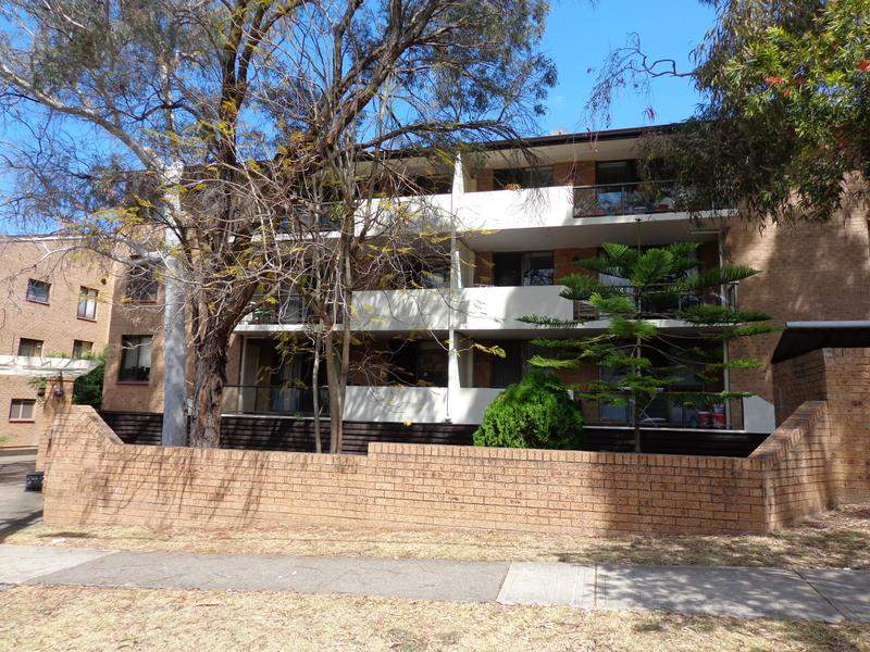 14/5-13 Dellwood St, Bankstown, NSW 2200