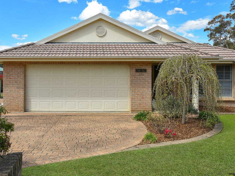 244  Blaxland Rd, Wentworth Falls, NSW 2782