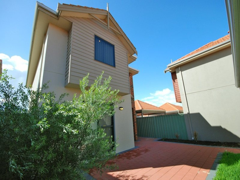 35/21 Bryanston Pass, Madeley, WA 6065