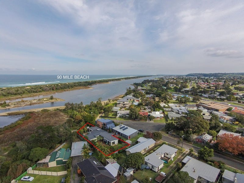 1 Mackillops Lane, Lakes Entrance