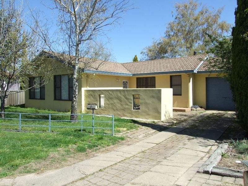 11 Nunns Avenue, Orange, NSW 2800