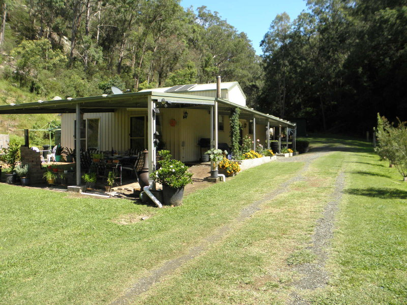 318 Dry Arm Track, Wollombi, NSW 2325