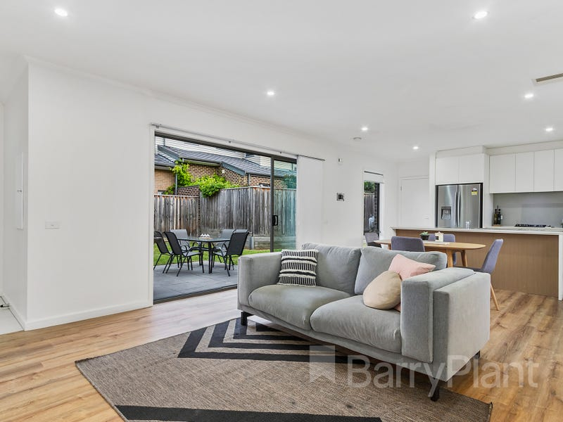 61 Bloom Avenue, Wantirna South, Vic 3152