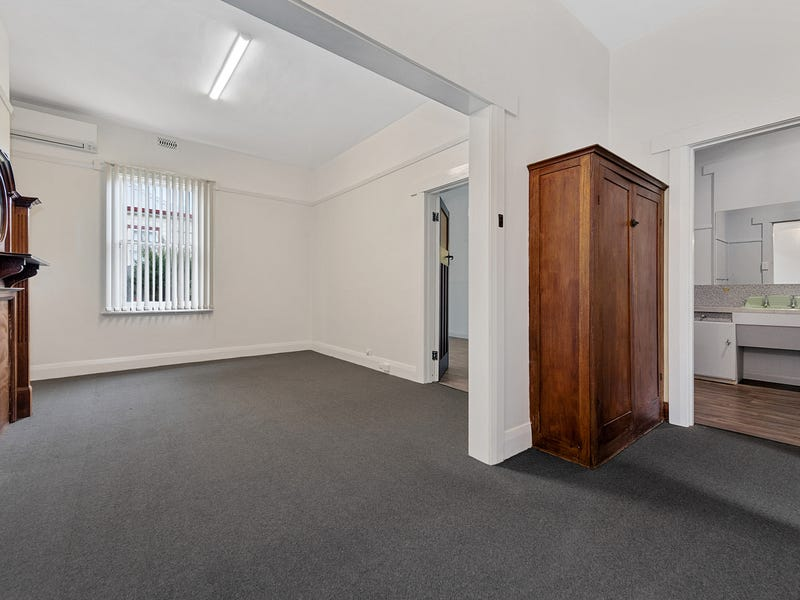 2/32 Hiller Street, Devonport, Tas 7310