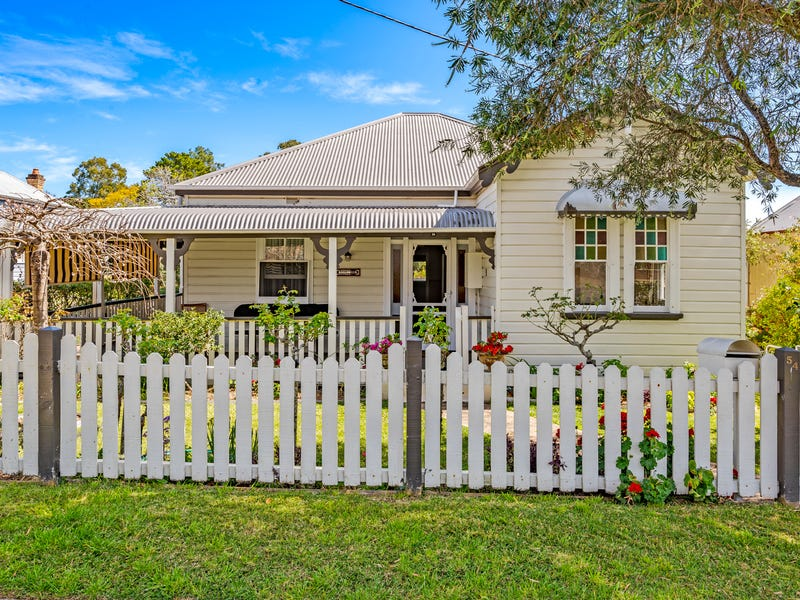 54 Dowling Street, Dungog, NSW 2420
