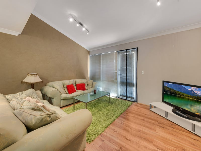 2/72 Campbellfield Avenue, Bradbury, NSW 2560