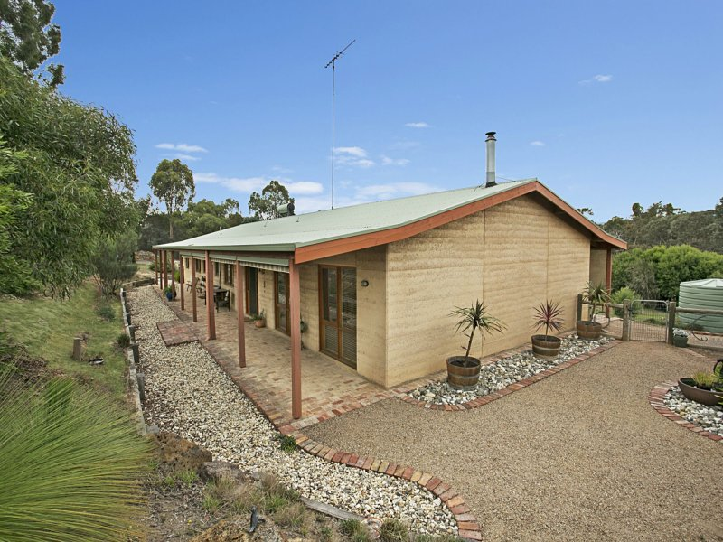 2A Hillview Drive, Broadford, Vic 3658