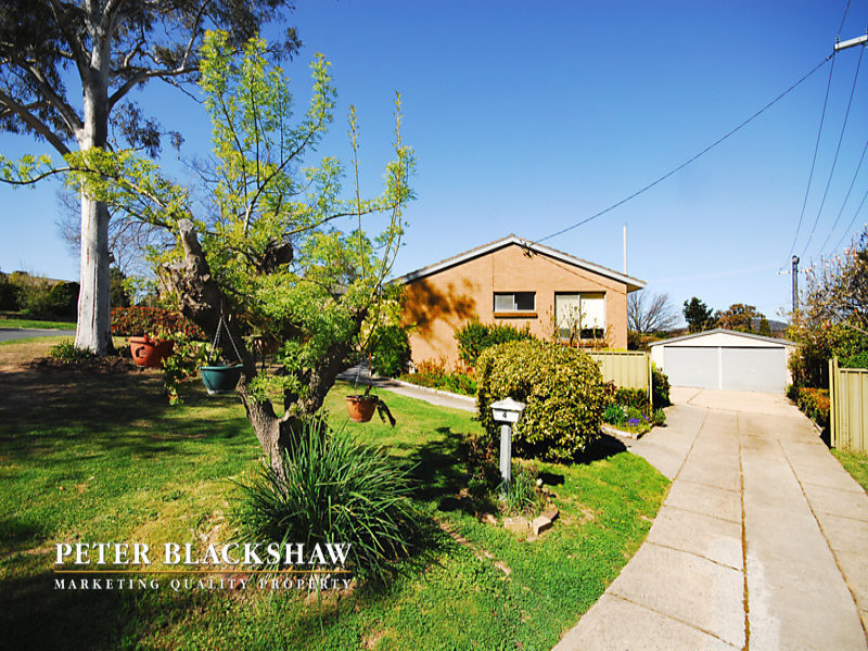 4 Roberts Street, Macquarie, ACT 2614