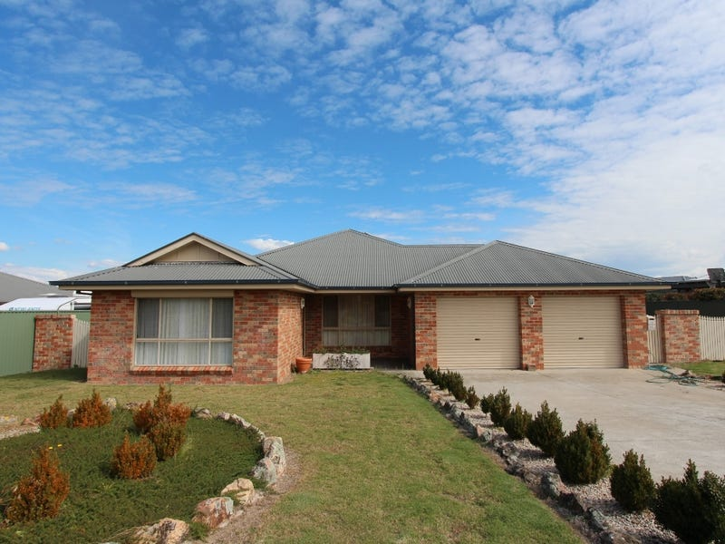 11 Marriott Ave, Kelso, NSW 2795