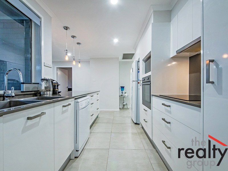 3 Marloo Place, St Helens Park, NSW 2560
