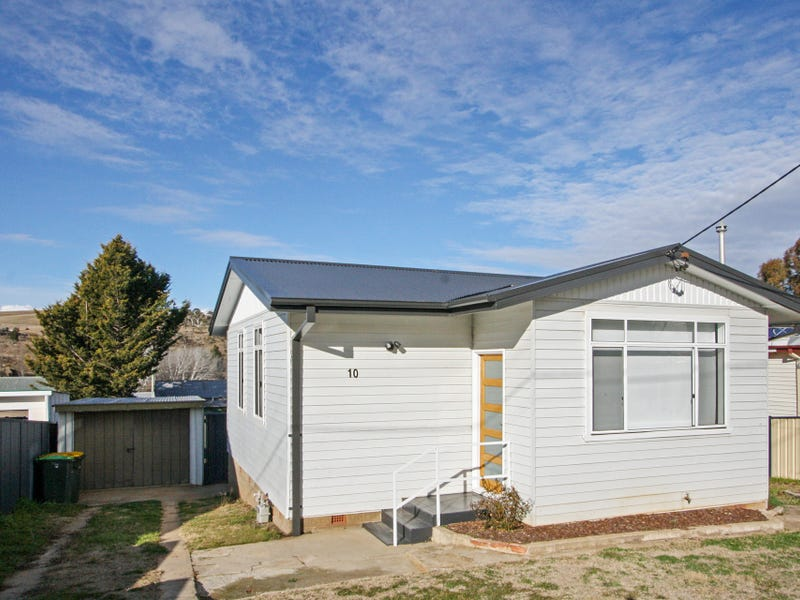 10 Norman Dykes Street, Cooma, NSW 2630