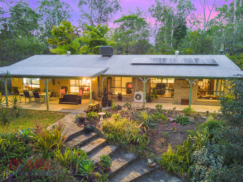 14 Drapers rd, Eatons Hill, Qld 4037