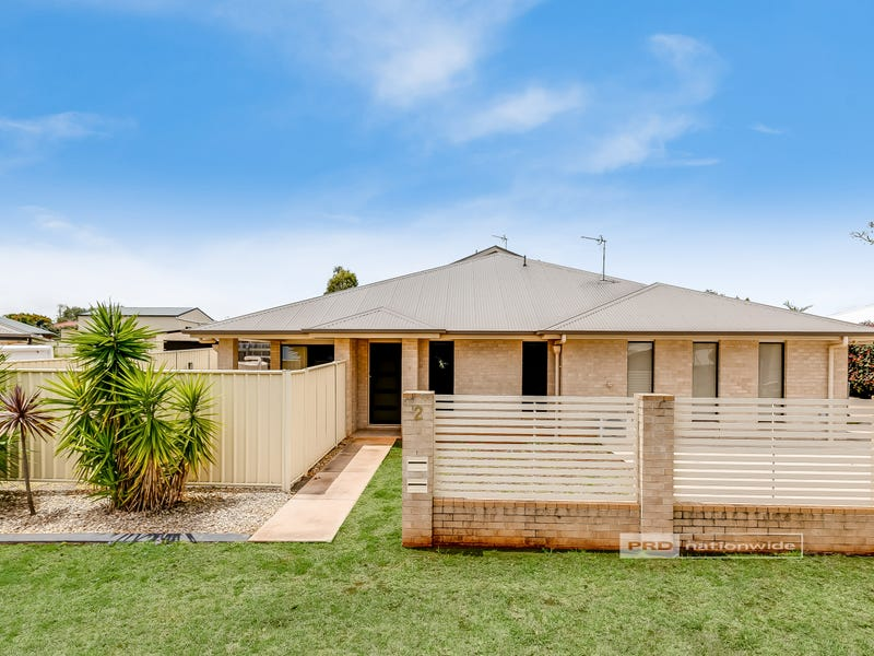 1/2 Alexander Avenue, Highfields, Qld 4352