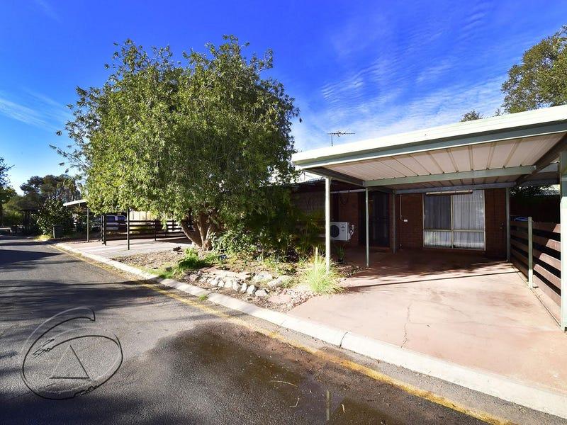 8 Floreat Village 8/3 Barrett Drive, Desert Springs
