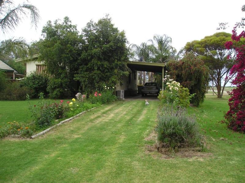 21 Murray Street, Tooleybuc, NSW 2736