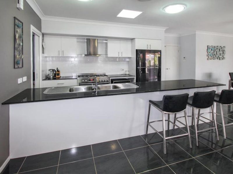 2 Murray Grey Place, Bungendore, NSW 2621