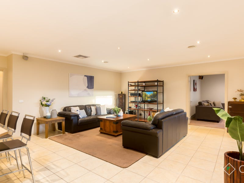2 The Willows, Hillside, Vic 3037